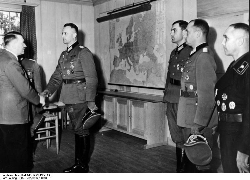 Wolfsschanze, Ordensverleihung durch Hitler
